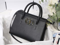Christian Dior CD 30 Montaigne X ST HONORE tip handle shoulder bag