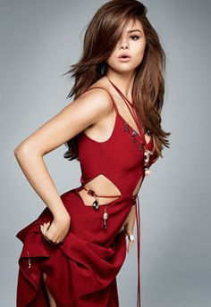 Selena Gomez looks red-hot in a Christopher Kane dress for Marie Claire Magazine June 2016 issue Selena Gomez Fotos, Selena Selena, Selena Gomez Fashion, Selena Gomez Pictures, Selena Gomez Style, Christopher Kane, Marie Claire Magazine, Divas, Marie Gomez