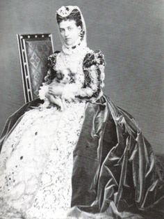 Alexandra as Mary, Queen of Scots