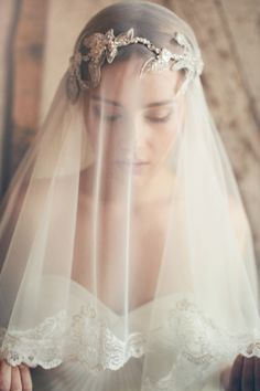 Lace trimmed short veil by Jannie Baltzer Couture  | Photography by http://wedding.sandraaberg.com/