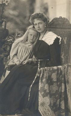 Crownprincess Marie of Romania and eldest daughter, Princess Elisabeth, later Queen of the Hellenes.