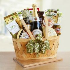15 Unique Mothers Day Gift Baskets