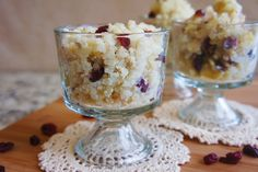 Get ready for your weekend with an yummy holiday treat: Creamy Cranberry Rice Pudding.