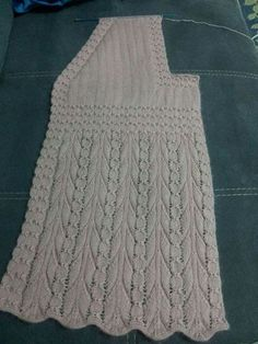 2017 New Season Knitting Women& Vest Samples Selected from Skewers, Crochet, Hairpin and Lace Women& Vest Models. When you enter this page y. Baby Sweater Patterns, Lace Knitting Patterns, Knitting Stitches, Knitting Designs, Knitting Projects, Crochet Woman, Diy Crochet, Crochet Top, Crochet Hats