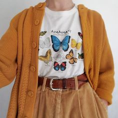 LOVE the butterfly shirt. Not necessarily the cardigan or the super baggy pants Mode Outfits, Retro Outfits, Vintage Outfits, Girl Outfits, Vintage Fashion, Vintage Clothing, Dress Vintage, Casual Hipster Outfits, Party Outfits