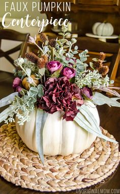 Pumpkin Vase, Pumpkin Centerpieces, Thanksgiving Centerpieces, Pumpkin Crafts, Floral Centerpieces, Thanksgiving Table, Holiday Tables, Pumpkin Bouquet, Christmas Tables