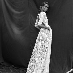 """251 Me gusta, 5 comentarios - ZE GARCIA (@zegarciaoficial) en Instagram: """".......... ELLA......... todas mas imagenes en la web  #zegarcia #style #novia #wedding #dress"""""""