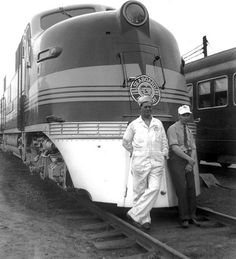 First diesel Silver Meteor in SAL yard in 1939 by TPavluvcik, via Flickr