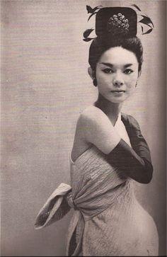 Balenciaga  Richard Avedon, Harper's Bazaar 1960