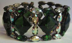 SCHREINER DAZZLING VINTAGE EMERALD GREEN & AB GLASS STONES & RHINESTONE BRACELET