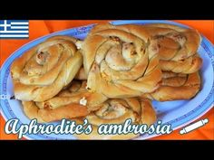 Crunchy Swirl Pies Filled with Feta – Aphrodite Vlavogelaki – macedonian food Macedonian Food, Homemade Pastries, Aphrodite, Cookie Do, Mini Pies, Cookies Policy, Freshly Baked, Apple Pie, Feta