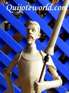 Figuras Don Quijote de la Mancha, figuras de resina para la decoración de interiores. Piezas únicas hechas a mano, figuras para decorar, artesanía irrepetible. Traidas directamente de la imaginación de nuestros artesanos.  www.quijoteworld.com
