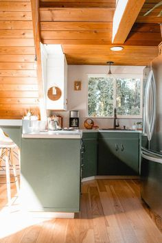 Don't let a tiny kitchen get you down Tiny House Cabin, Up House, Cabin Homes, River House, Small Cabin Kitchens, Small Cabin Interiors, A Frame Cabin, A Frame House, Little Cabin