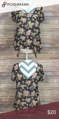 """✨Wallpapher Top✨ So comfortable. This layered top from Nordstrom with floral design is perfectly paired with a pair of cropped jeans. Self 100% polyester Contrast 62% Rayon 38% polyester. 28"""" long  💕Need any other information? Measurements? Materials? Feel free to ask! 💕Unfortunately, I am unable to model items!  💕Don't be shy, I always welcome reasonable offers! 💕Fast shipping! Same or next day! 💕Sorry, no trades!  Happy Poshing!☺️ Tops"""