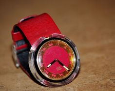 .99 cents bid Vintage Pop #Swatch Watch #Swiss Movement http://www.ebay.com/itm/Vintage-Pop-Swatch-Watch-Red-Gold-Roman-Numeral-Face-AG1991-Swiss-Movement-/251640080475?roken=cUgayN via @eBay #bbloggers #lbloggers #omg #vintage #watch