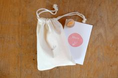Stempel für die Geburtsanzeige mit Herzblümchen // Birth Announcement Rubber Stamp with heart flower // by karamelo