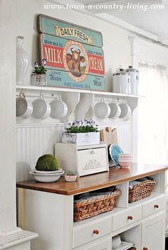 How to add a bit of kitchen color. Easy ideas to inspire you.