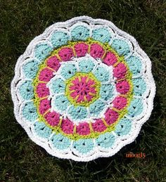 Magic Spike Mandala - free pattern! Makes gorgeous placemats and coasters and more with just one pattern! Thanks so for kind, great share! yay xox