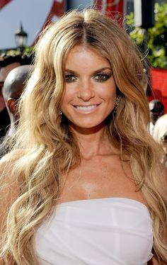 Marisa Miller Photo - 17th Annual ESPY Awards - Red Carpet. AAHHHH I love her hair!!