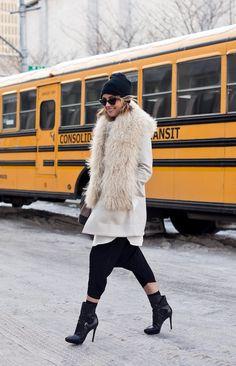 NYFW STREET STYLE: THE GLAMOURAI   DROP CROTCH HAREM PANTS - Le Fashion