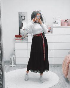 Ne istedigini bilen insanin bosa zaman harcamak istememesidir - G. Modest Fashion Hijab, Muslim Fashion, Modest Outfits, Hijab Chic, Fashion Outfits, Modest Dresses, Modesty Fashion, Arab Fashion, Sporty Fashion
