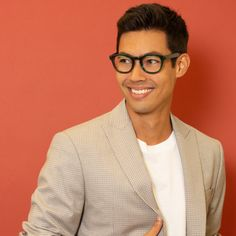 36bde68fa0 These classically cool frames from Vint   York are the perfect pairing to  any face shape