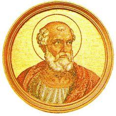 """27.- San Eutiquiano (275-283)  Nació en Luni. Mártir, elegido el 4.I.275, murió el 7.XII.283. Ordenó que los mártires fuesen cubiertos por la """"dalmática"""" parecida al manto de los Emperadores Romanos. Hoy constituye las vestiduras de los diáconos en las ceremonias solemnes. Instituyó la bendición de la recolección de los campos."""