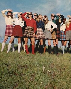 34 Ideas Clothes Vintage Outfits Retro Style For 2019 Style Année 60, Mode Style, Trendy Style, Outfits 90s, Plaid Outfits, Preppy Outfits, Vintage Outfits, Dress Vintage, Colleen Corby