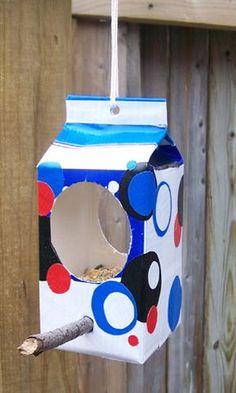 Winter Bird Crafts For Kids Milk Cartons New Ideas Bird Crafts, Diy And Crafts, Diy For Kids, Crafts For Kids, Diy Bird Feeder, Bird Houses, Activities For Kids, Creative, Glow