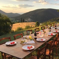 Italian Summer, European Summer, Fresco, Summer Aesthetic, Northern Italy, Tuscany Italy, Aesthetic Pictures, Nice View, Vacation Spots