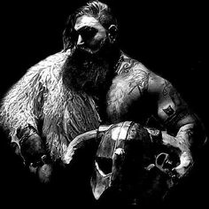 "681 mentions J'aime, 4 commentaires - Vikings (@steel_and_blood) sur Instagram : ""@steel_and_blood Model: @mauro.ponti . . . . . #vikings #viking #berserker #heathen #pagan…"""
