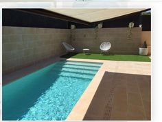 What color will my pool's water be? Backyard Pool Designs, Small Backyard Pools, Small Pools, Swimming Pools Backyard, Swimming Pool Designs, Kleiner Pool Design, Pool House Plans, Pool Water Features, Small Pool Design