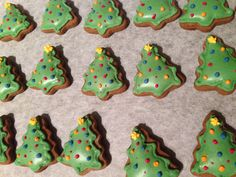 My little Christmas Tree Gingerbread cookies - will be toppers for gingerbread flavoured cupcakes!! Dec 2015