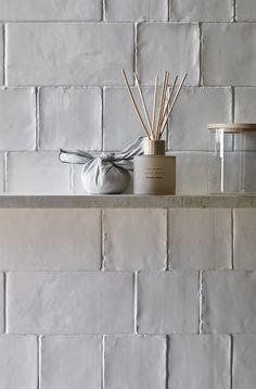 Design by Zara Home. Ceramic Tile Bathrooms, Remodled Bathrooms, Outdoor Bathrooms, White Bathrooms, Outdoor Kitchens, Clay Tiles, Cement Tiles, Studio Mcgee, Deco Design
