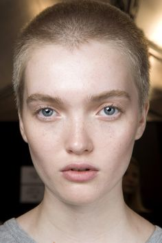 Isabel Marant Spring 2016 Ready-to-Wear Beauty Photos - Vogue