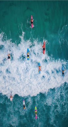 Surfing holidays is a surfing vlog with instructional surf videos, fails and big waves Beach Aesthetic, Summer Aesthetic, Photo Wall Collage, Picture Wall, Nautique Vintage, Surfing Pictures, Summer Vibes, Summer Surf, Aesthetic Pictures