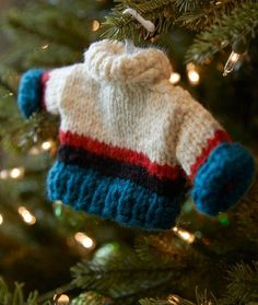 Best Guy Sweater Ornament - free Knitting Pattern | Red Heart