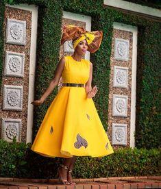 Yellow!!! 😍 African Attire, African Wear, African Dress, African Fashion, African Traditional Wear, African Traditional Wedding Dress, Traditional Dresses, African Shirts Designs, Modest Fashion
