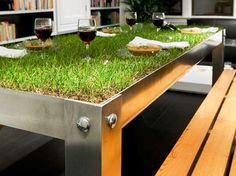 O #designer holandês Haiko Cornelissen criou uma #mesa para 'piqueniques indoor'. O que achou? #decoração #criatividade