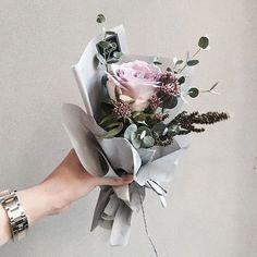 . Lesson Order Katalk ID vaness52 E-mail vanessflower@naver.com . #vanessflower #vaness #flower #florist #flowershop #handtied #flowergram #flowerlesson #flowerclass #바네스 #플라워 #바네스플라워 #플라워카페 #플로리스트 #꽃다발 #부케 #원데이클래스 #플로리스트학원 #화훼장식기능사 #플라워레슨 #플라워아카데미 #꽃수업 #꽃주문 #부케 #花 #花艺师 #花卉研究者 #花店 #花艺 . . #미니다발 . . 나도 꽃선물 받고 싶돻