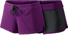 Nike Womens Reversible Training Shorts (Medium): You can work out in cool, dry, comfort with our reversible shorts, which give you the choice of two great styles rolled into one. The fitted waistband allows you to look fit as you get fit. Fashion Over 40, Fashion 2017, Fashion Outfits, Womens Fashion For Work, Athletic Shorts, Active Wear For Women, Stylish, Women Shorts, Training