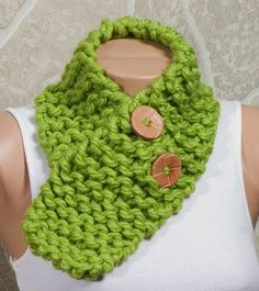 GREEN Winter Scarf. Neckwarmer. Christmas scarf by ozlemdesign, $21.90