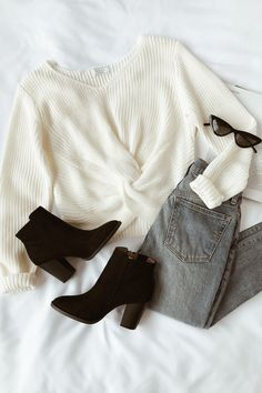 10 Lively Clever Ideas: Fashion Ideas For Women Autumn fashion dresses classy.Style Fashion Tips Ideas fashion design mood board.Fashion Tips For Teens Outfits. Fashion Kids, Look Fashion, Fashion Clothes, Fashion 2018, Fashion Fall, Ladies Fashion, Fashion Boots, Fashion Fashion, Cheap Fashion