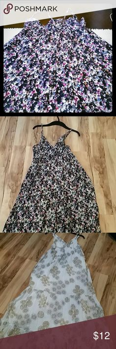 Selling this 2 used Women  dresses on Poshmark! My username is: ummjamal. #shopmycloset #poshmark #fashion #shopping #style #forsale #old Navy  and HM #Dresses & Skirts