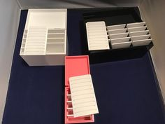 The Lash Storage Box Which one do you like? 5 tile 10 tile or 15 tile box. Keep your unused lash extensions sanitary and be organized. Which color do you prefer? White Pink or Black?