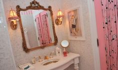 Girlie Eloise Suite Bathroom at The Plaza in NYC.