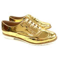 oxford feminino super confortável, cor dourada tipo espelhada e sola tratorada super estiloloso.