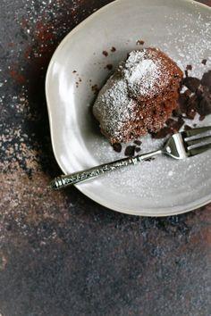 SHARE-and-EAT-Schokoladenkuchen-mit-Rotwein Panna Cotta, Eat, Ethnic Recipes, Food, Red Wine, Choco Pie, Hoods, Meals