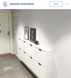 Skoskap Shoe Cabinet, Ikea Diy, Open Plan Apartment, Shoe Storage Cabinet, Storage Spaces, Ikea Nordli, Home Decor, Locker Storage, Ikea Shoe Cabinet