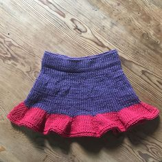 Ravelry: Emblas skjørt pattern by Audhild Kennedy ( Cascade Yarn, Kids And Parenting, Ravelry, Lace Shorts, Cheer Skirts, Knitting Patterns, Anchor, Children, Fashion